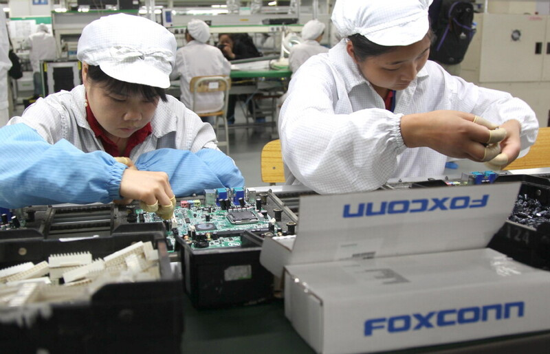 "Foxconn CEO ""sorrow"" for people waiting for iPhone 13"
