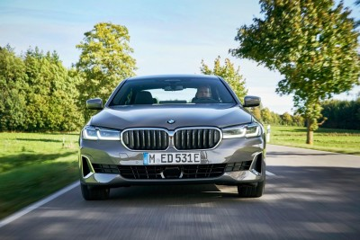 """2021.04.09.  13,697 read   """"There's a reason it's popular!"""" See options for the BMW 520i, the best price-performance model in the 5 Series Kolon Motors 15"""