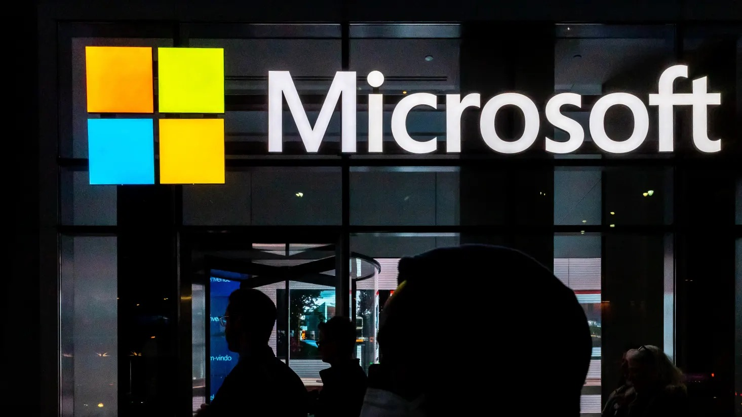 Microsoft is about to buy Nuance, the AI company behind Apple's virtual assistant Siri, for $ 16 billion
