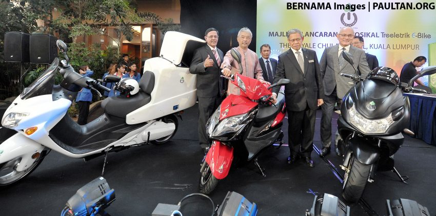 The rival series of Honda SH and Honda Vision are about to return to Vietnam, with models priced at only 25 million dong