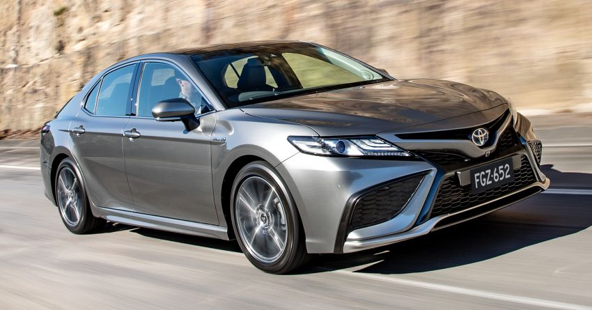Toyota Camry 2021 launched a beautiful upgrade without criticism with a starting price of 552 million VND