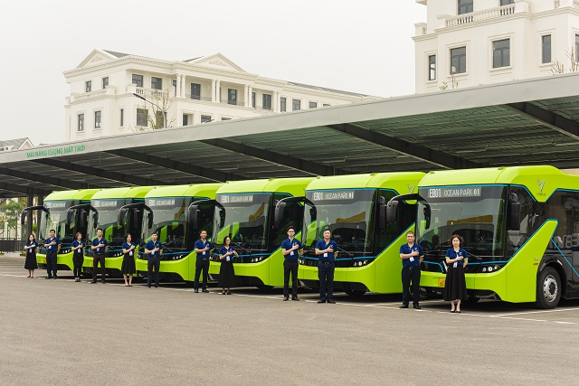 VinBus electric bus officially operated, a turning point for public transport photo 1