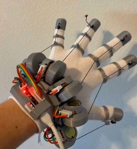Young hacker invented VR gloves with haptic feedback like