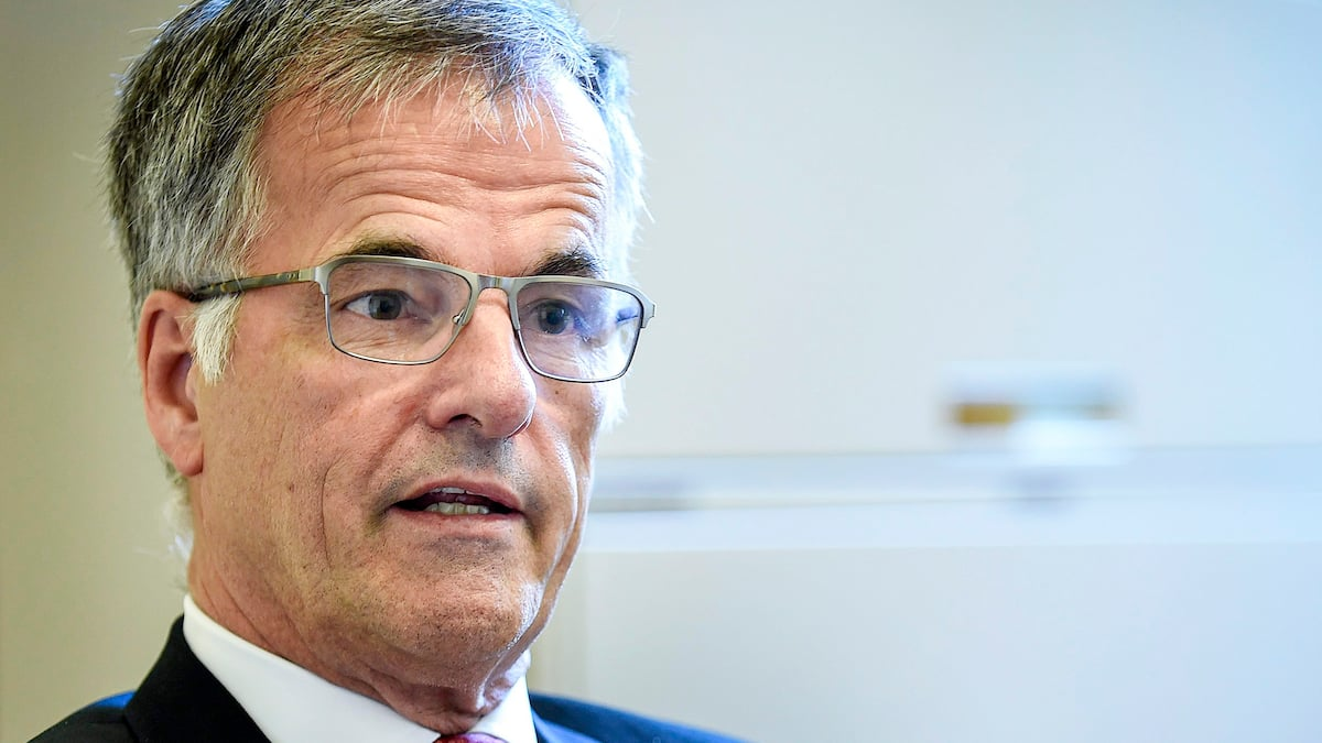 UPAC Two police officers demand $ 100,000 from Guy Ouellette