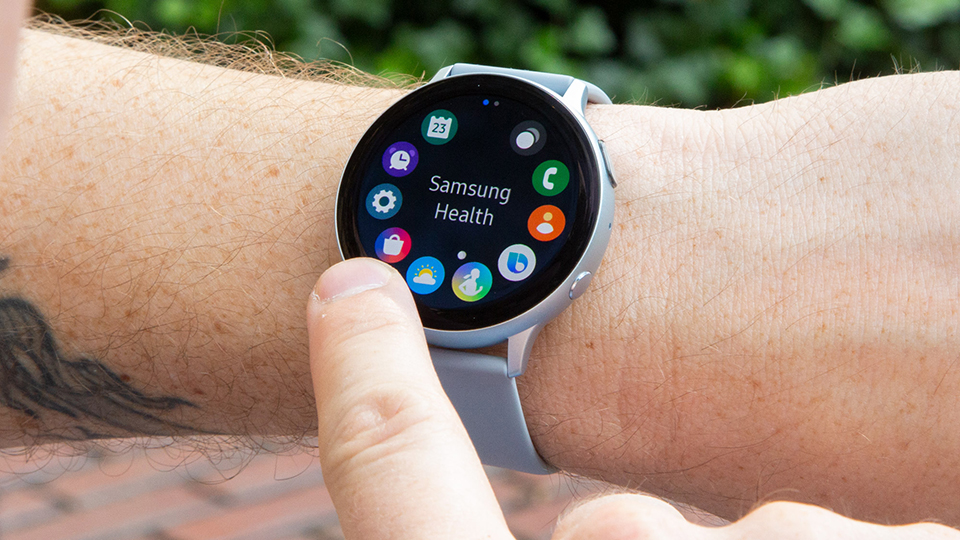 Sforum - Latest technology information page thong-Galaxy-Watch-Active-4-1 Galaxy Watch Active 4 may own 5nm chip, flat screen and thinner bezel