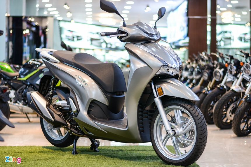 Honda SH super product has been sold by the agent in Vietnam, Vietnamese customers rushed down the money