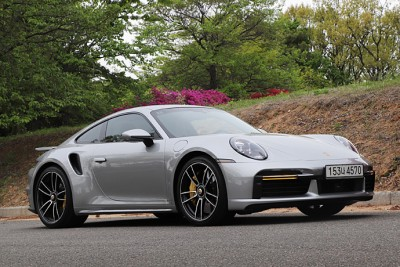 2021.05.02.  14,356 reads   [시승기] The Porsche 911 Turbo S Overwhelms Everything Global Auto News 25