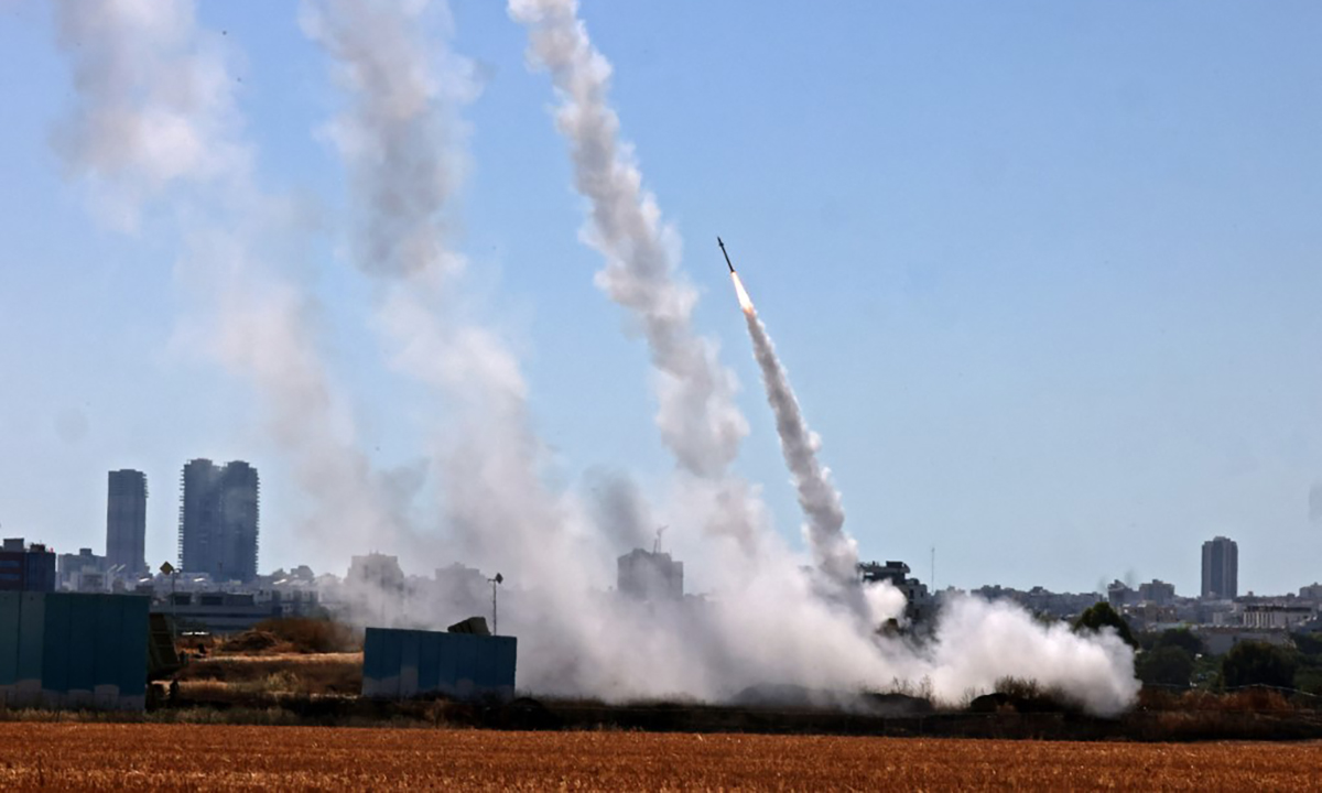 Israel's Iron Dome complex in the city of Ashdod opened fire to intercept Hamas rockets on May 12.  Photo: AFP.