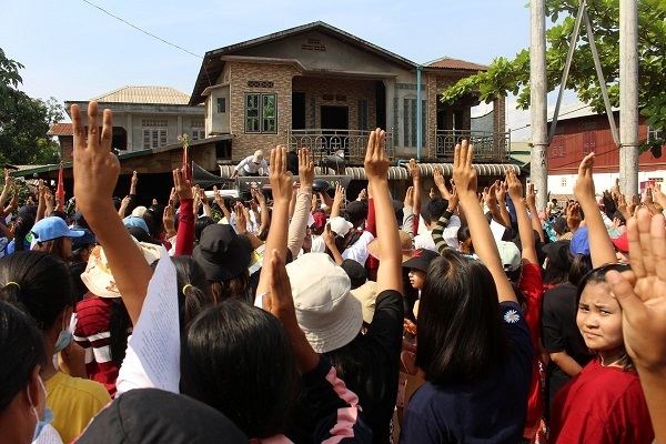 Myanmar issued a ban on satellite TV