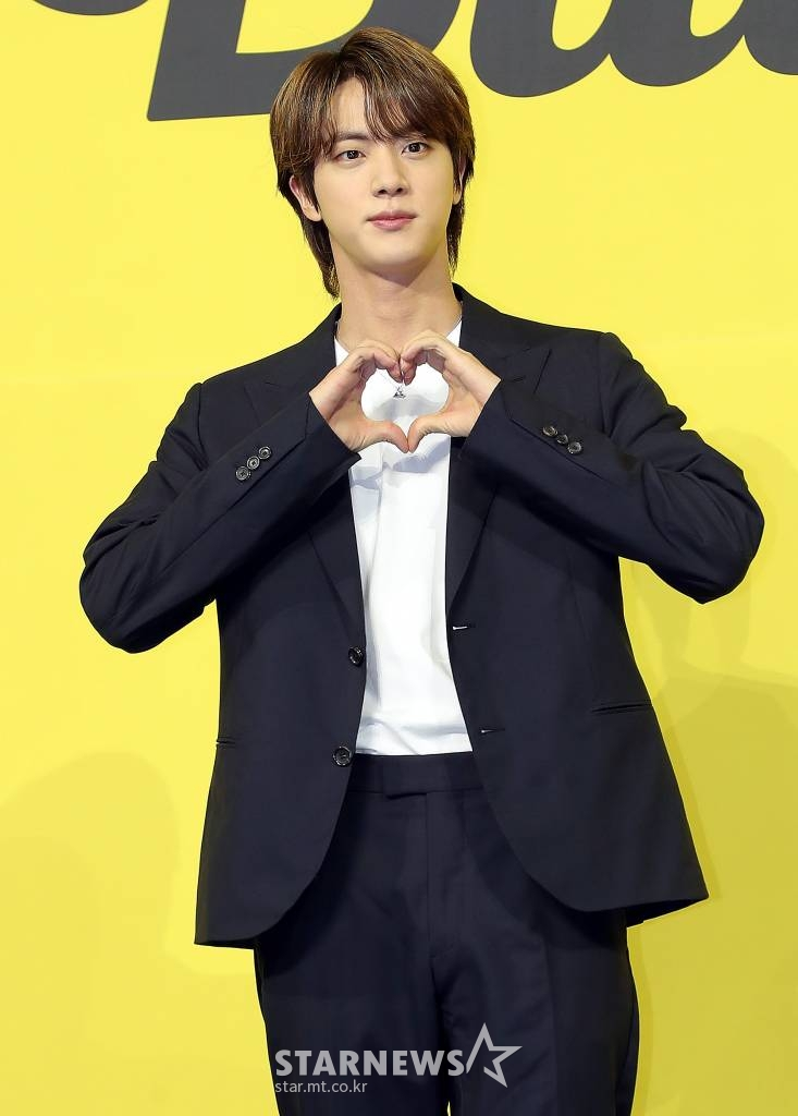 """BTS Jin, 'Butter' topped the Billboard Billboard for 5 weeks in a row """"A wonderful experience thanks to ARMY, I love you ♥"""""""