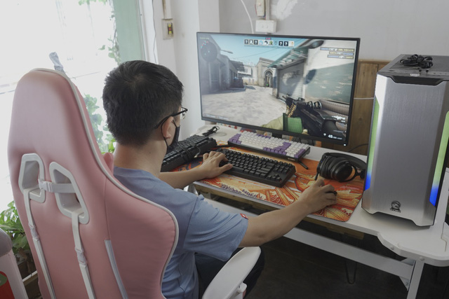 E-DRA first launched a genuine gaming monitor, both South and North have 15 lucky gamers - Photo 1.