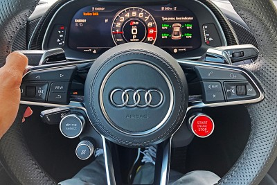 2021.06.03.  2,382 reads   [시승기] 10-cylinder naturally aspirated acceleration 'Audi R8 V10 Performance' Auto Herald 4