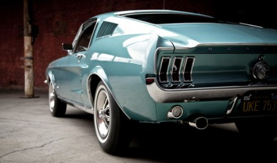 2021.06.18.  16,989 reads Where did you see this car?  American muscle car that stands out in the movie KB Cha Cha Cha 16