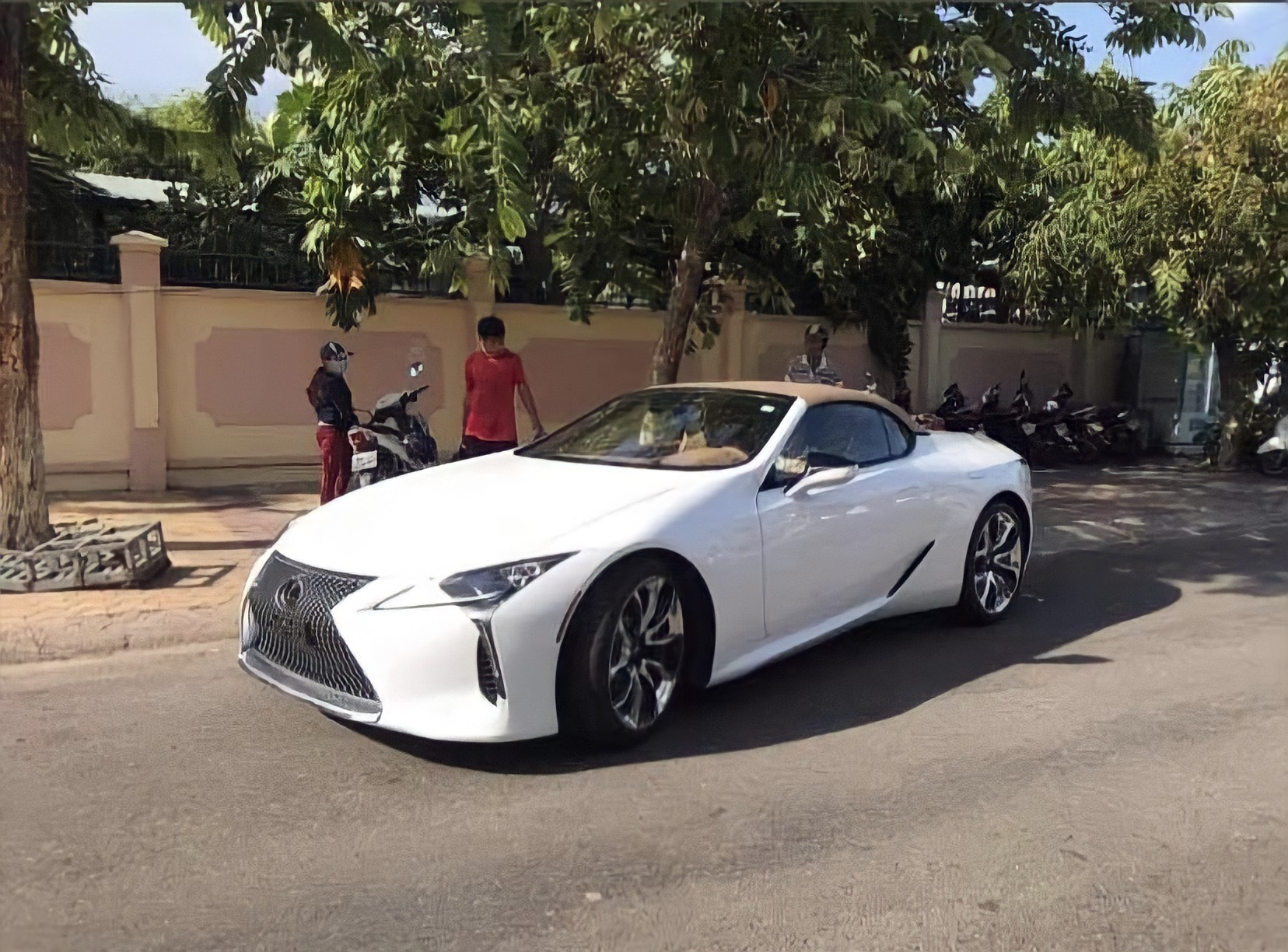 lc500convertible-cafeautovn-1