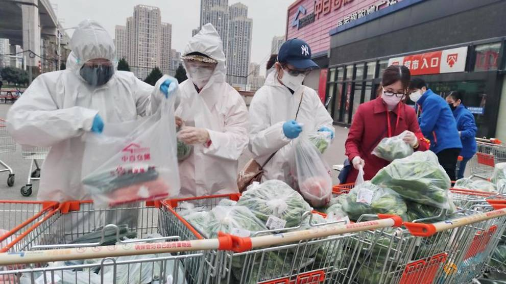 How does China feed the city under lockdown?