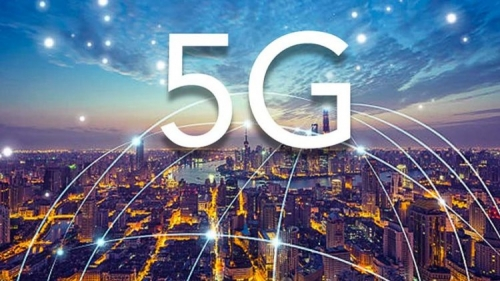 """The US is """"breathing smoke"""" in Korea in the race to deploy 5G networks globally"""